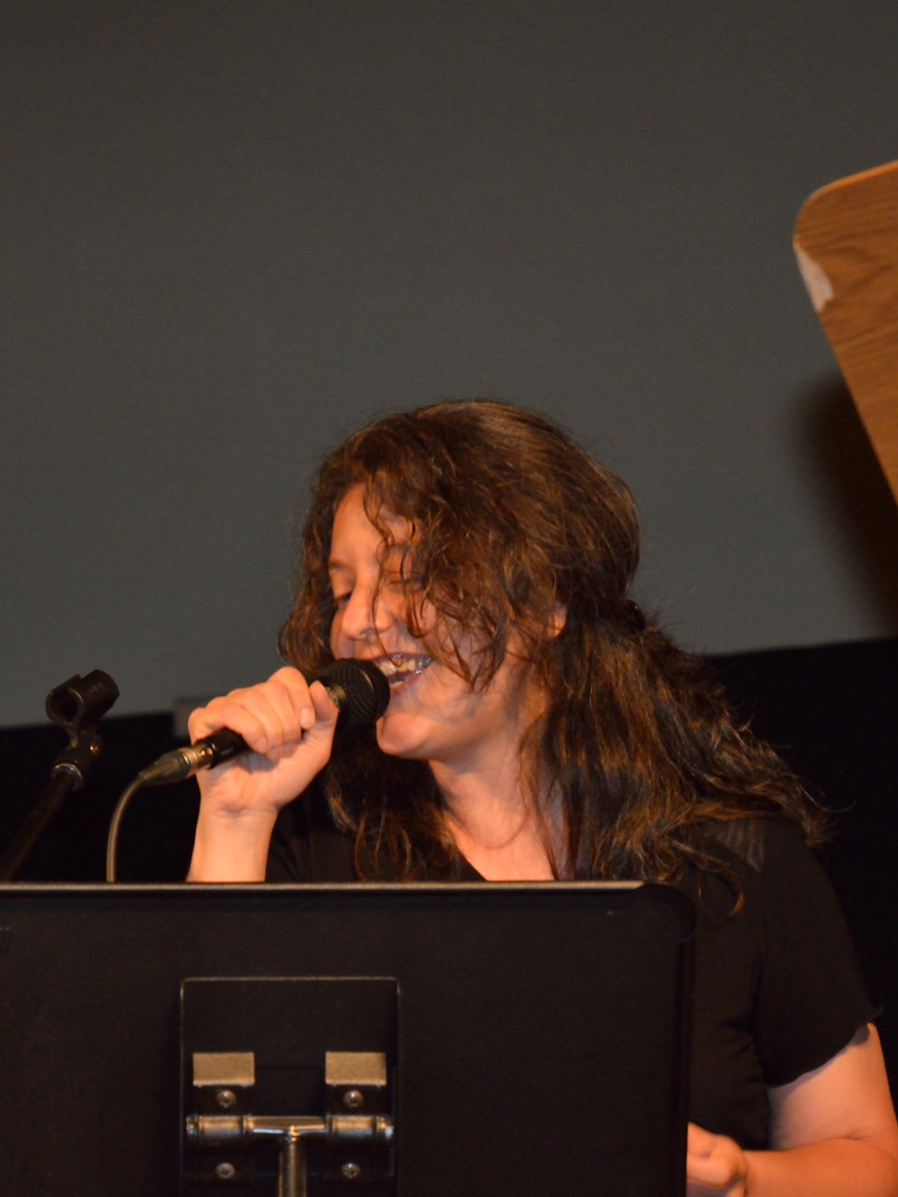 Deborah Messeri cantante della Band degli Armonici de I Ricostruttori