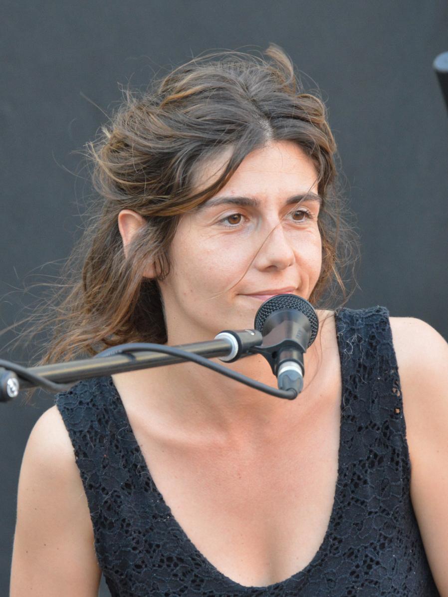 Giulia Bucchioni percussionista della band degli Armonici de I Ricostruttori