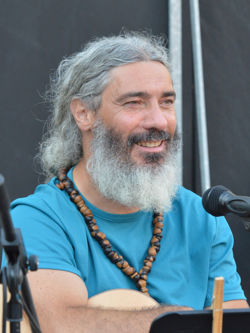 Pietro Micarelli della band degli Armonici de I Ricostruttori